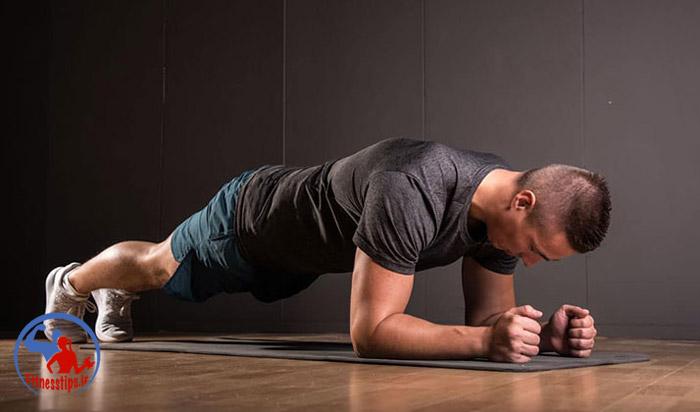 حرکت پلانک در ورزش در منزل برای لاغری
